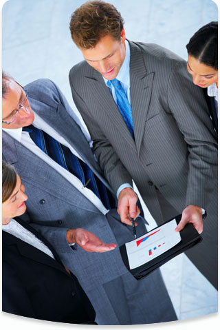 Image of client and Lynx consultant reviewing website audit report